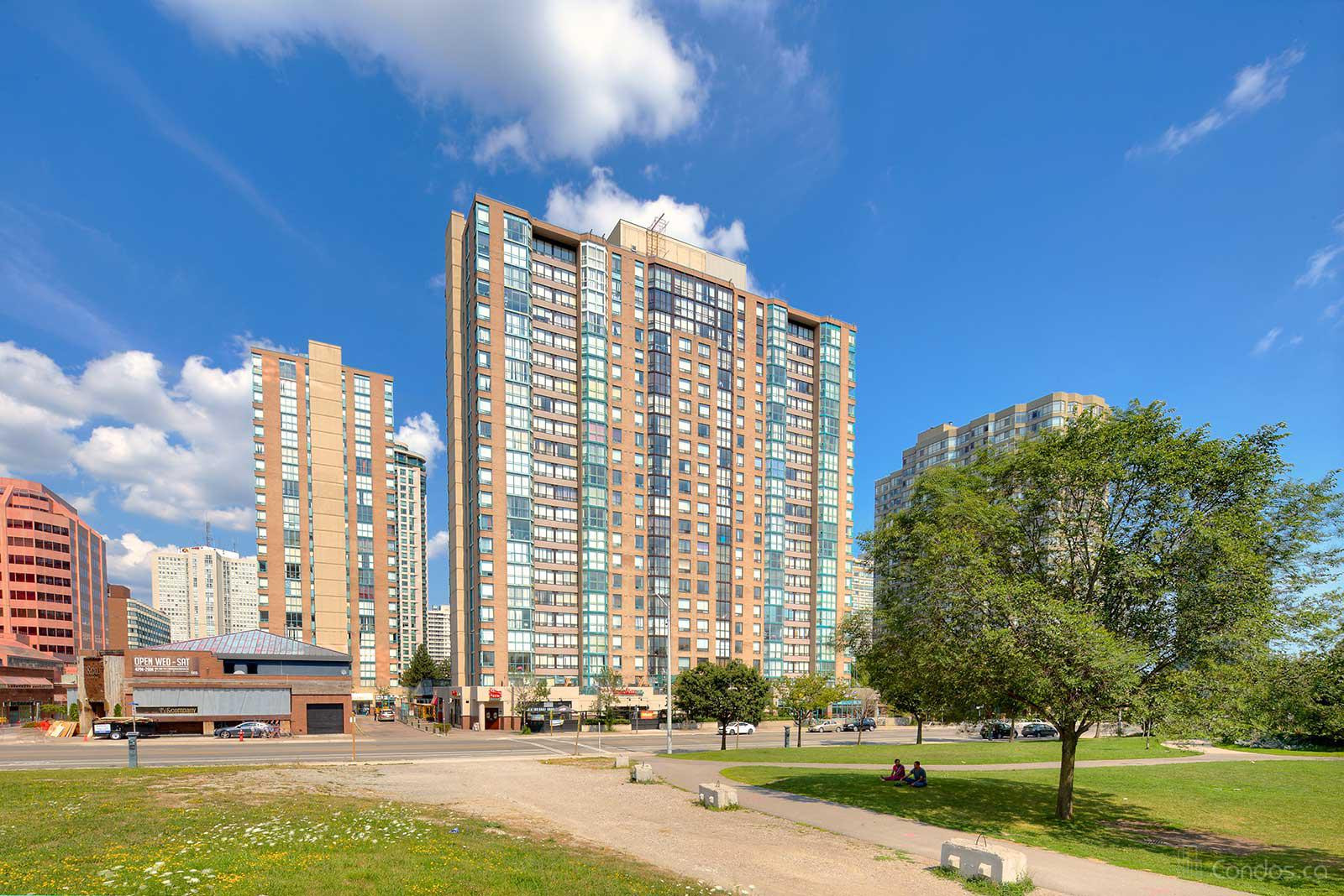 Enfield Place at 285 Enfield Pl, Mississauga 1