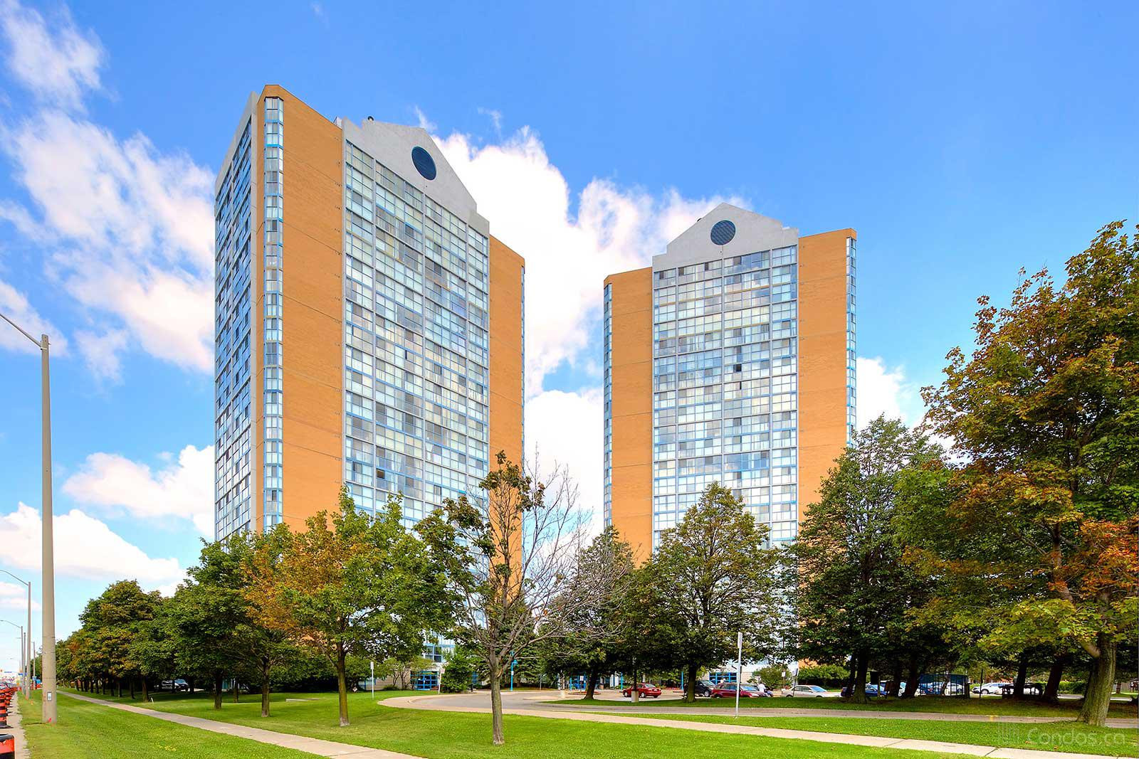 Anaheim Towers I and Ⅱ at 35 Trailwood Dr, Mississauga 0