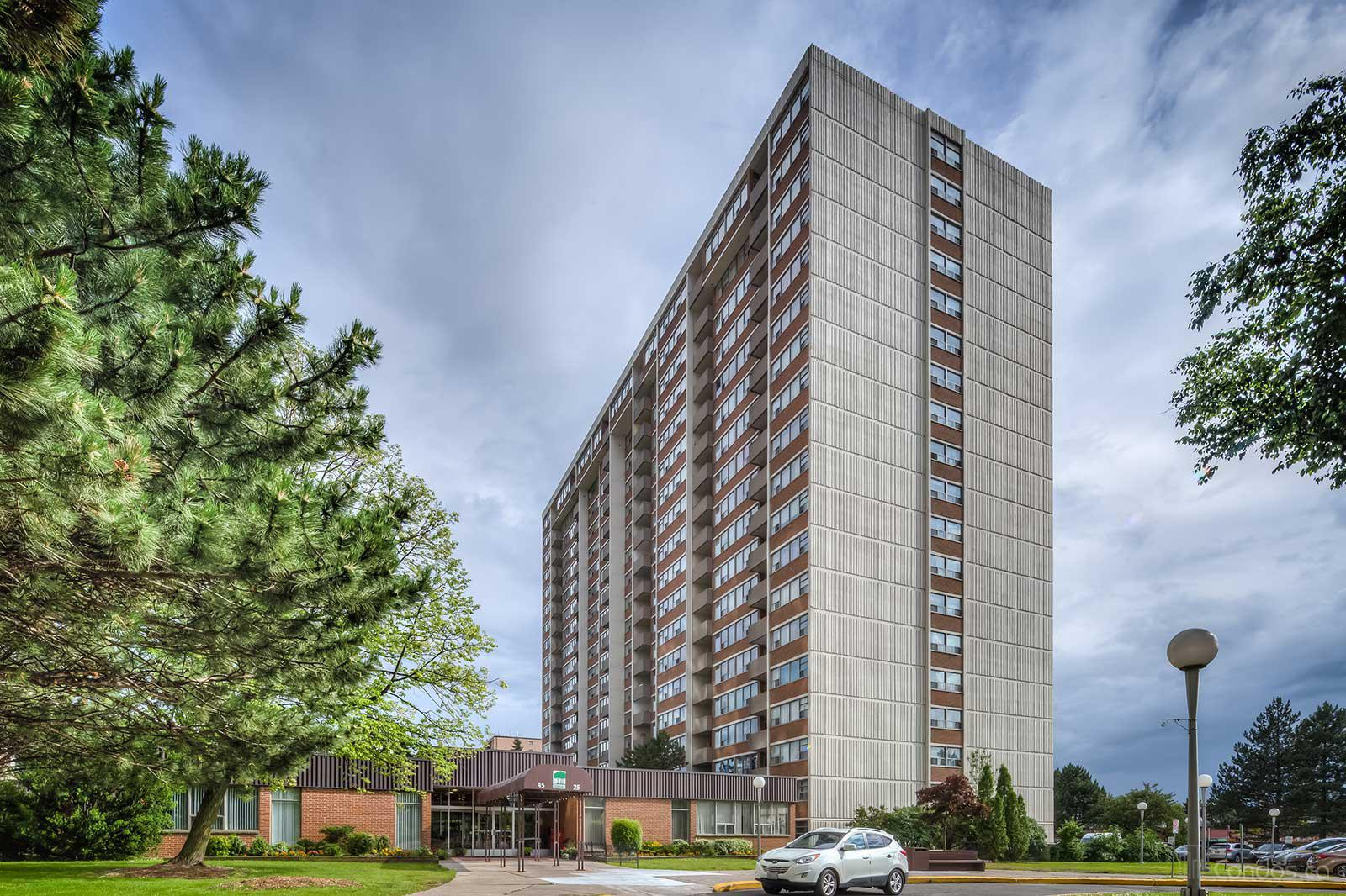 Woodlands On The Park at 25 Silver Springs Blvd, Toronto 1
