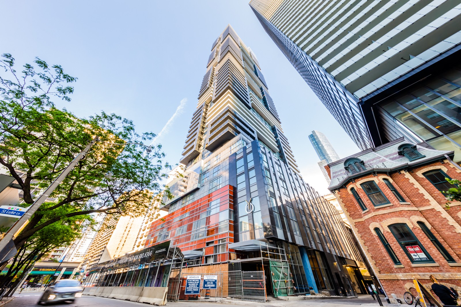 YC Condos - Yonge and College at 7 Grenville St, Toronto 1