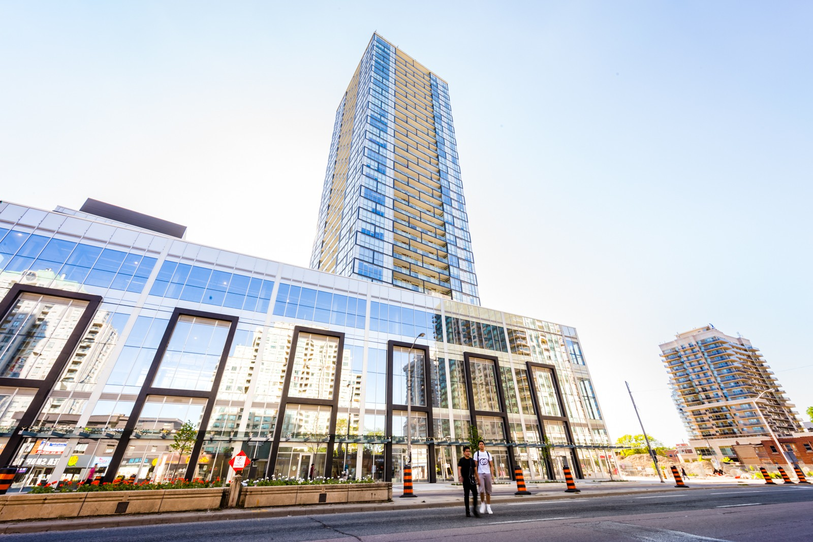 Beacon Condos at 5180 Yonge St, Toronto 1