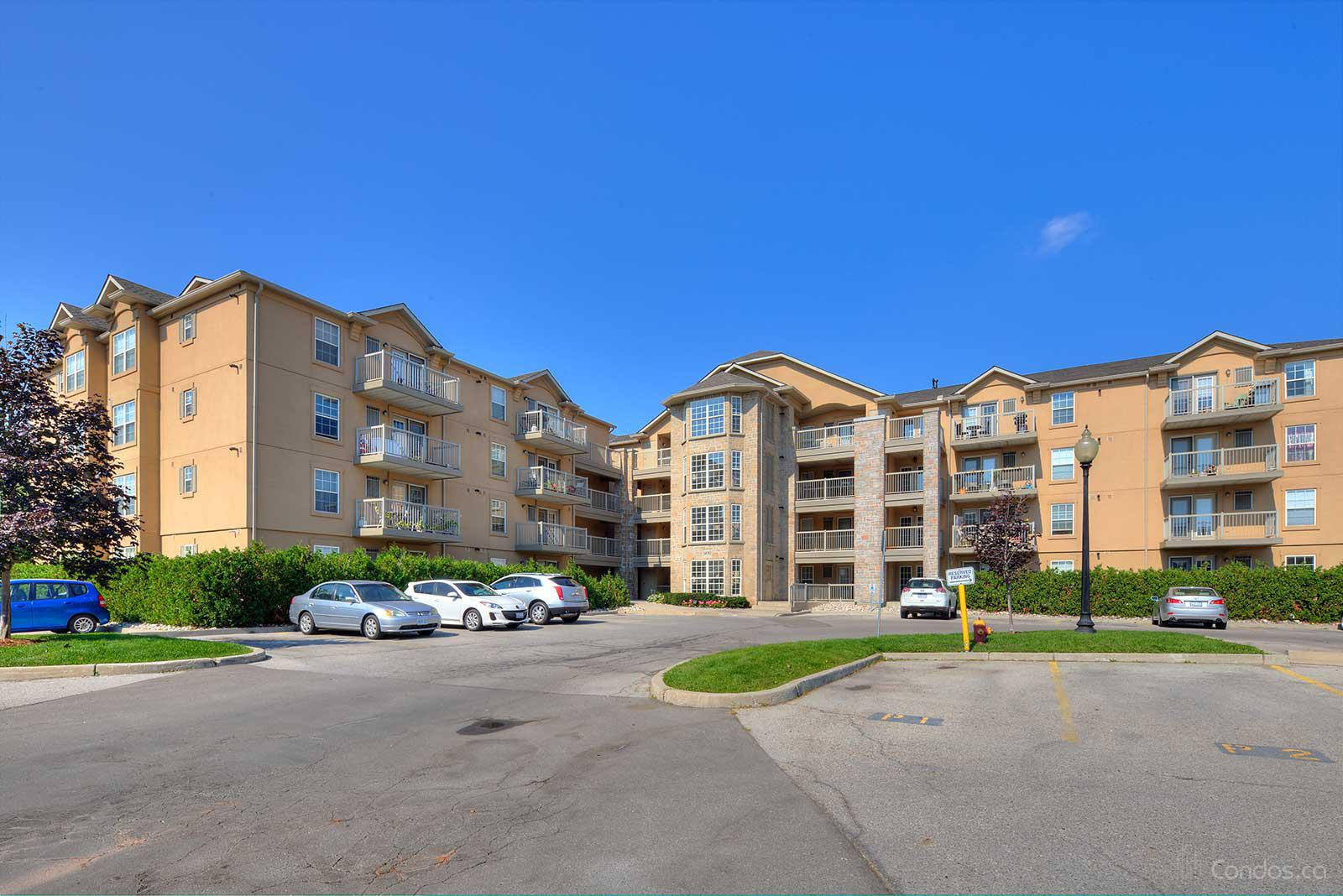Abbey Oakes Ⅳ at 1460 Bishops Gate, Oakville 0