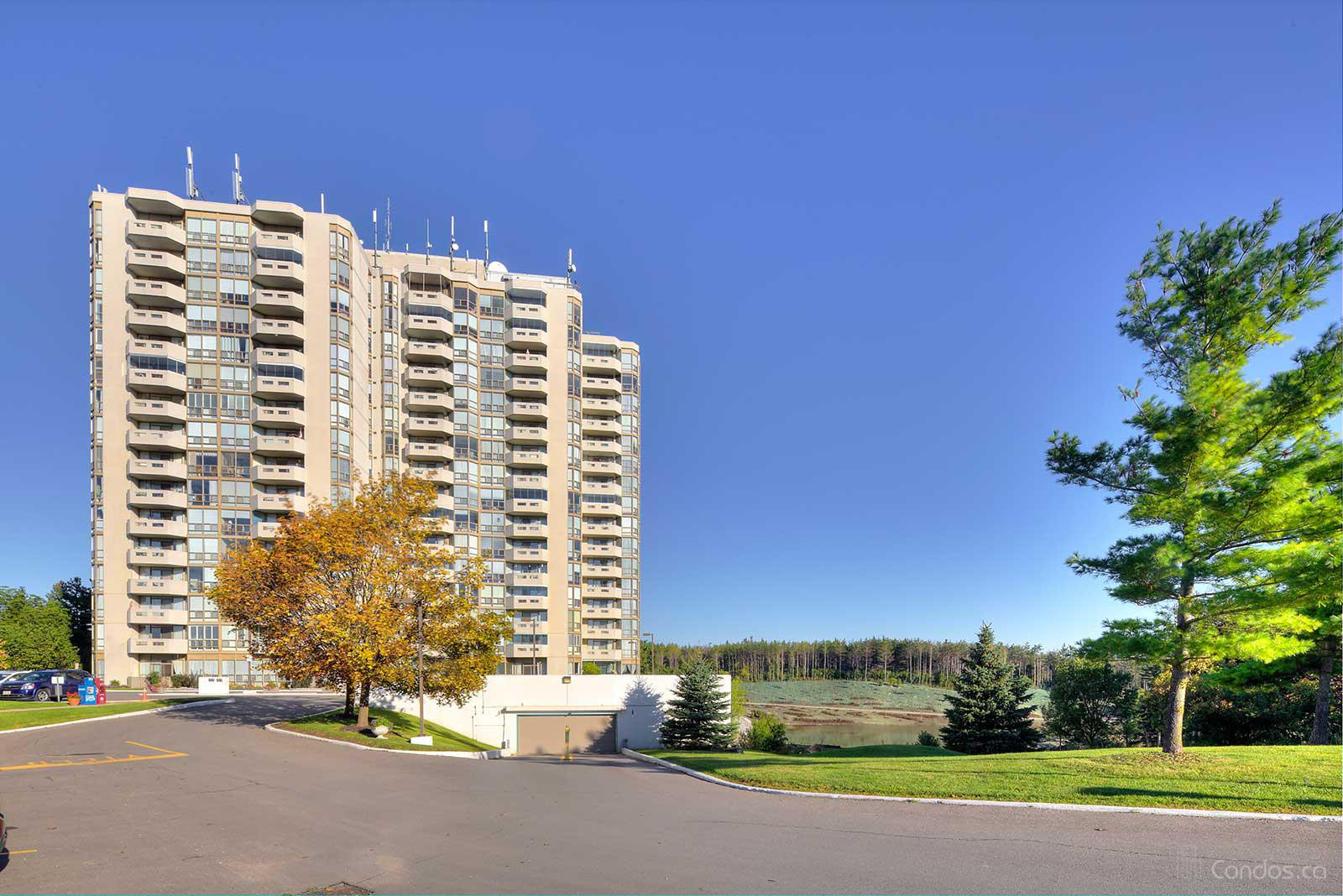 The Sands Condo at 20 McFarlane Dr, Halton Hills 1