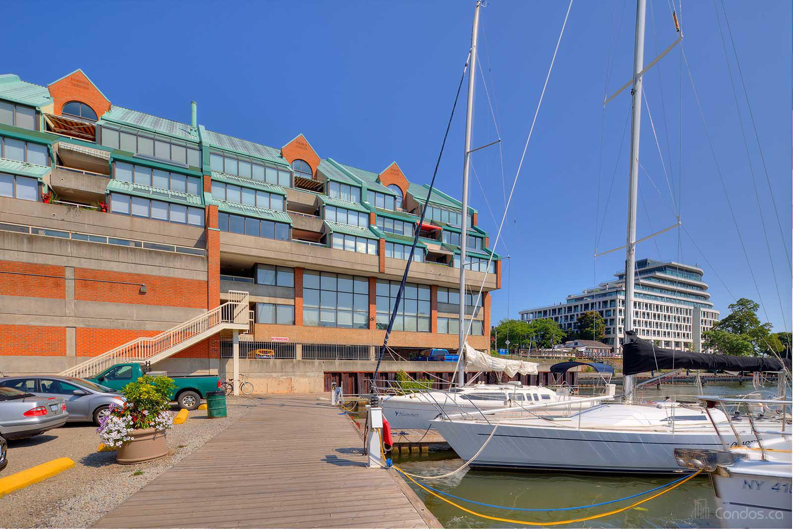 Stoneboat Quay at 100 Bronte Rd, Oakville 1