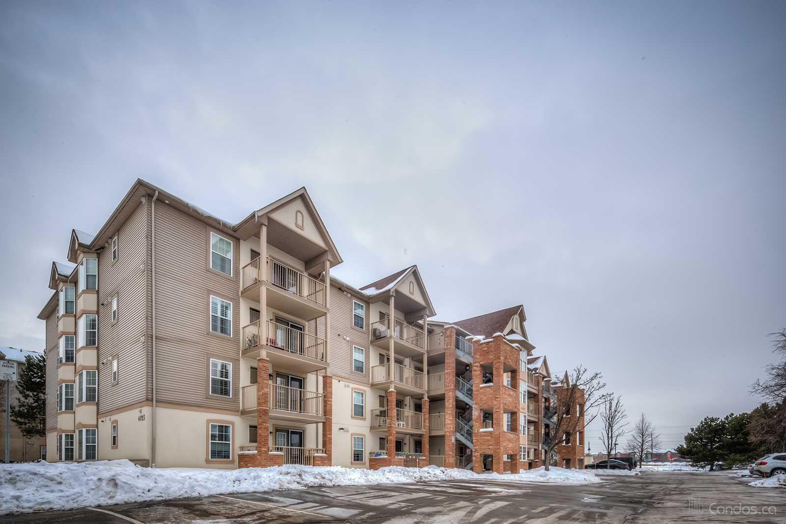 Tansley Gardens at 4025 Kilmer Dr, Burlington 1