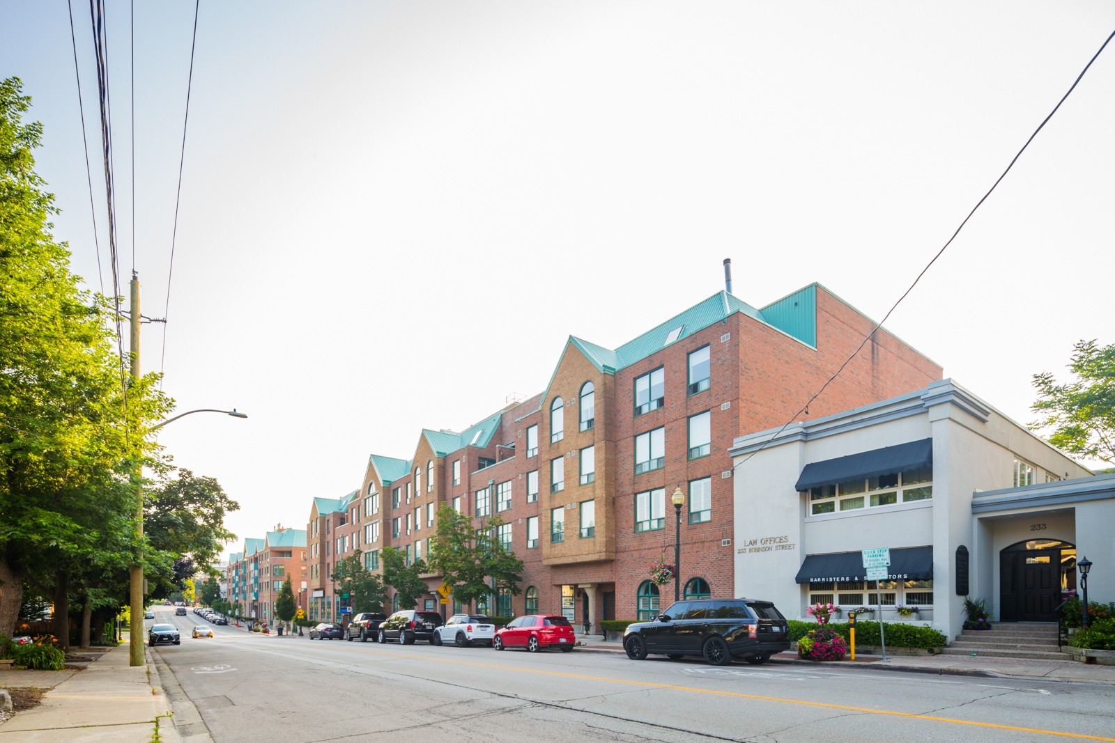 Towne Square Condos at 221 Robinson St, Oakville 1