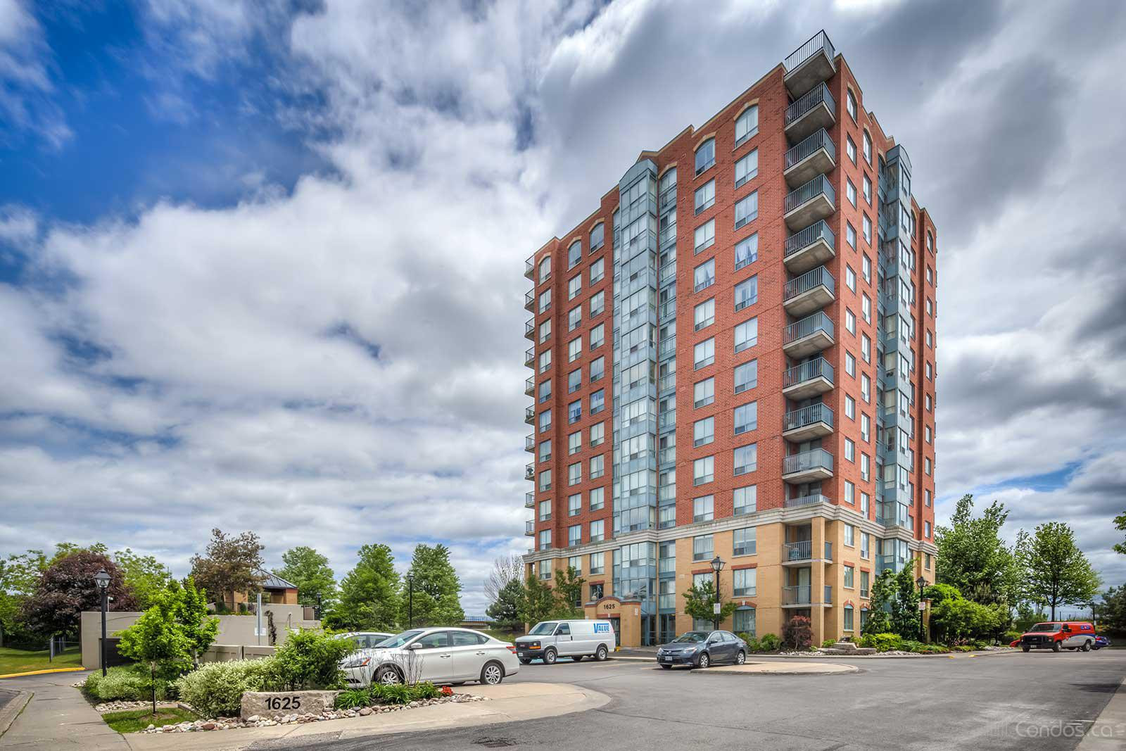 The Brockstone at 1625 Pickering Pkwy, Pickering 0
