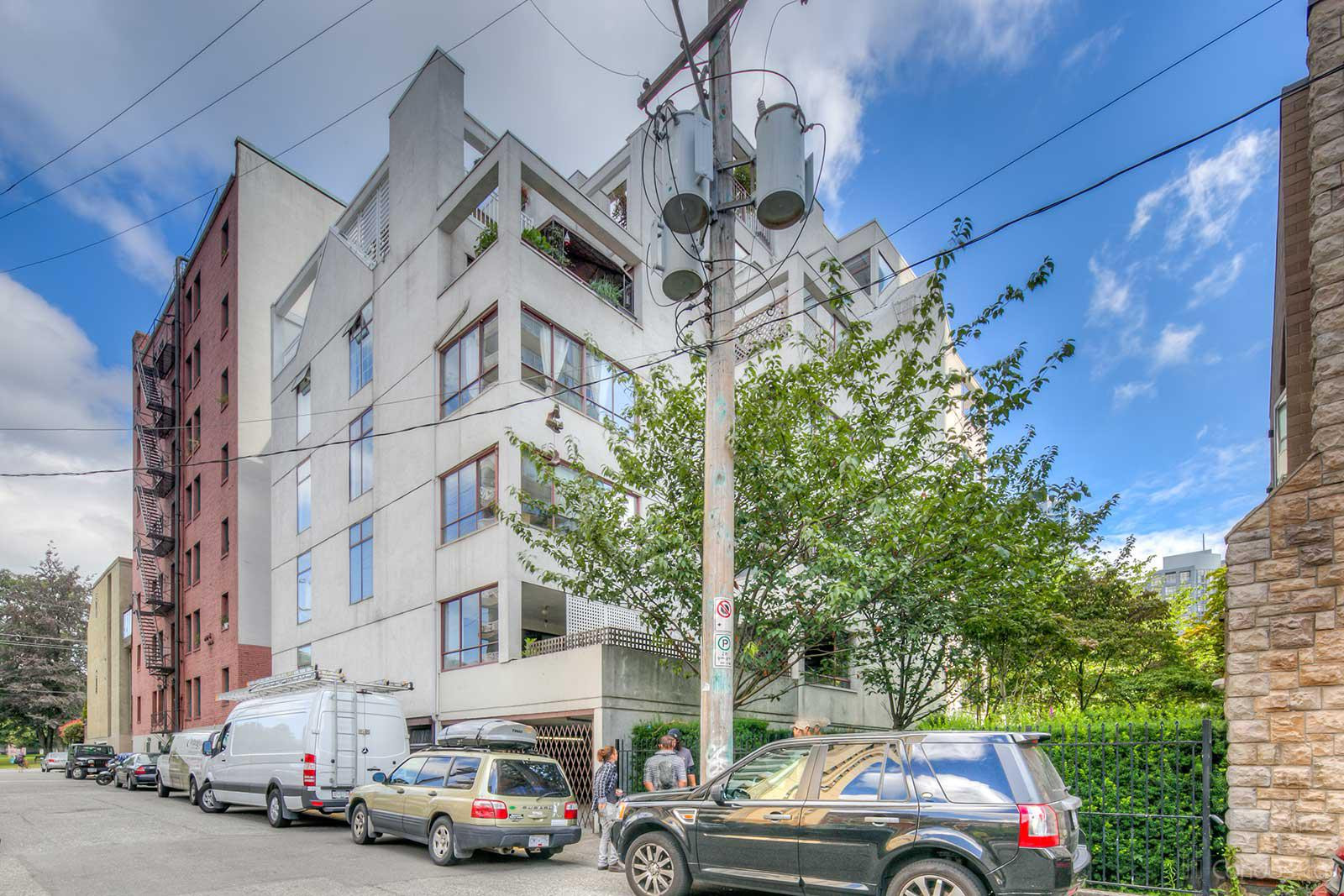 Kelvin Court at 1042 Nelson St, Vancouver 0