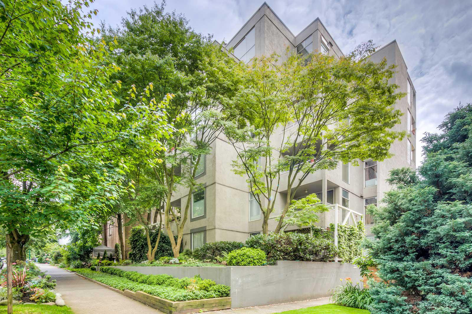 Kenwood Court at 1220 Barclay St, Vancouver 0