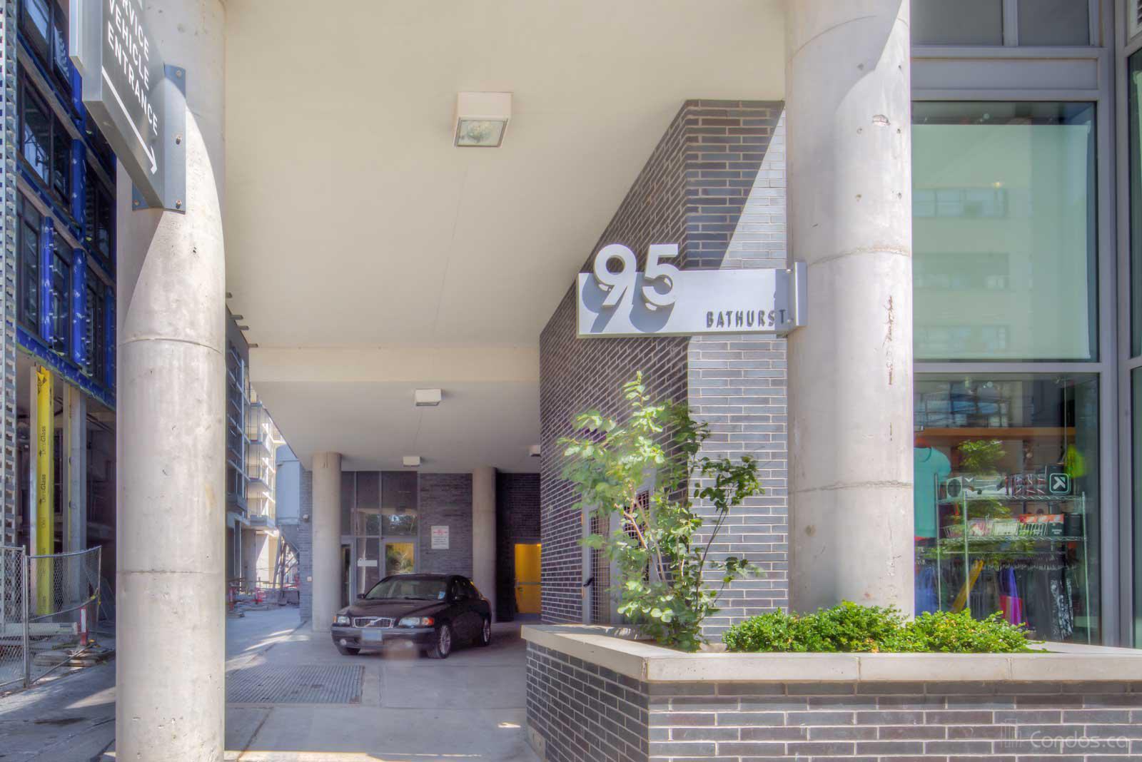 Six50 King at 95 Bathurst St, Toronto 1