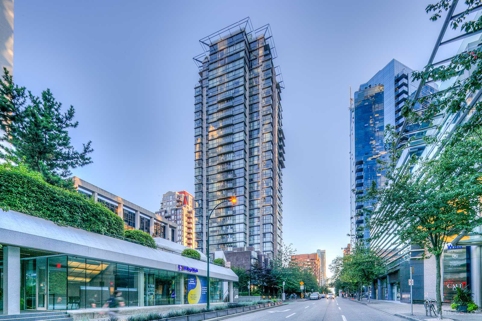 The Canadian at 1068 Hornby St, Vancouver 0