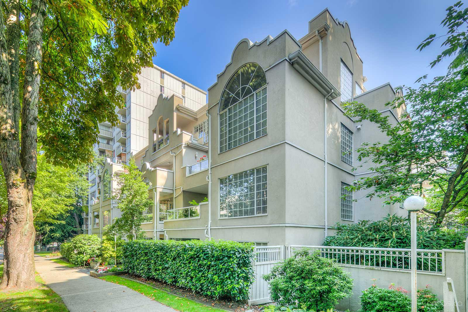 Charlotte Gardens at 1525 Pendrell St, Vancouver 1