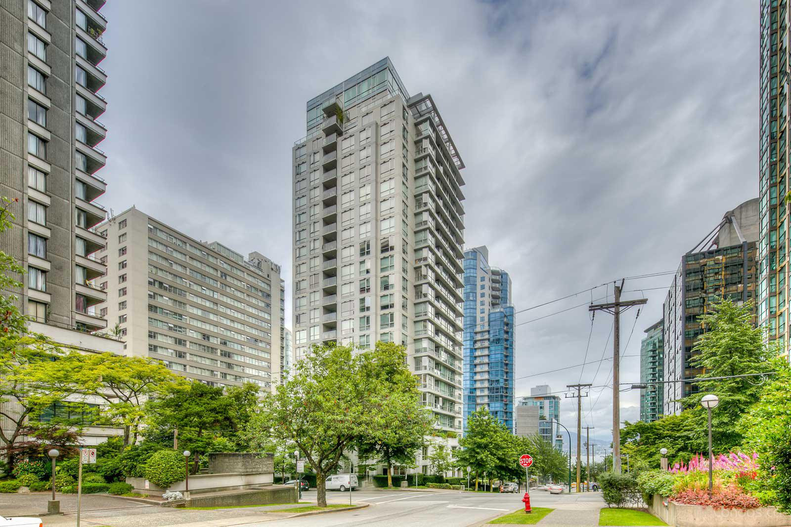 George - The Condominiums at 1420 W Georgia St, Vancouver 1