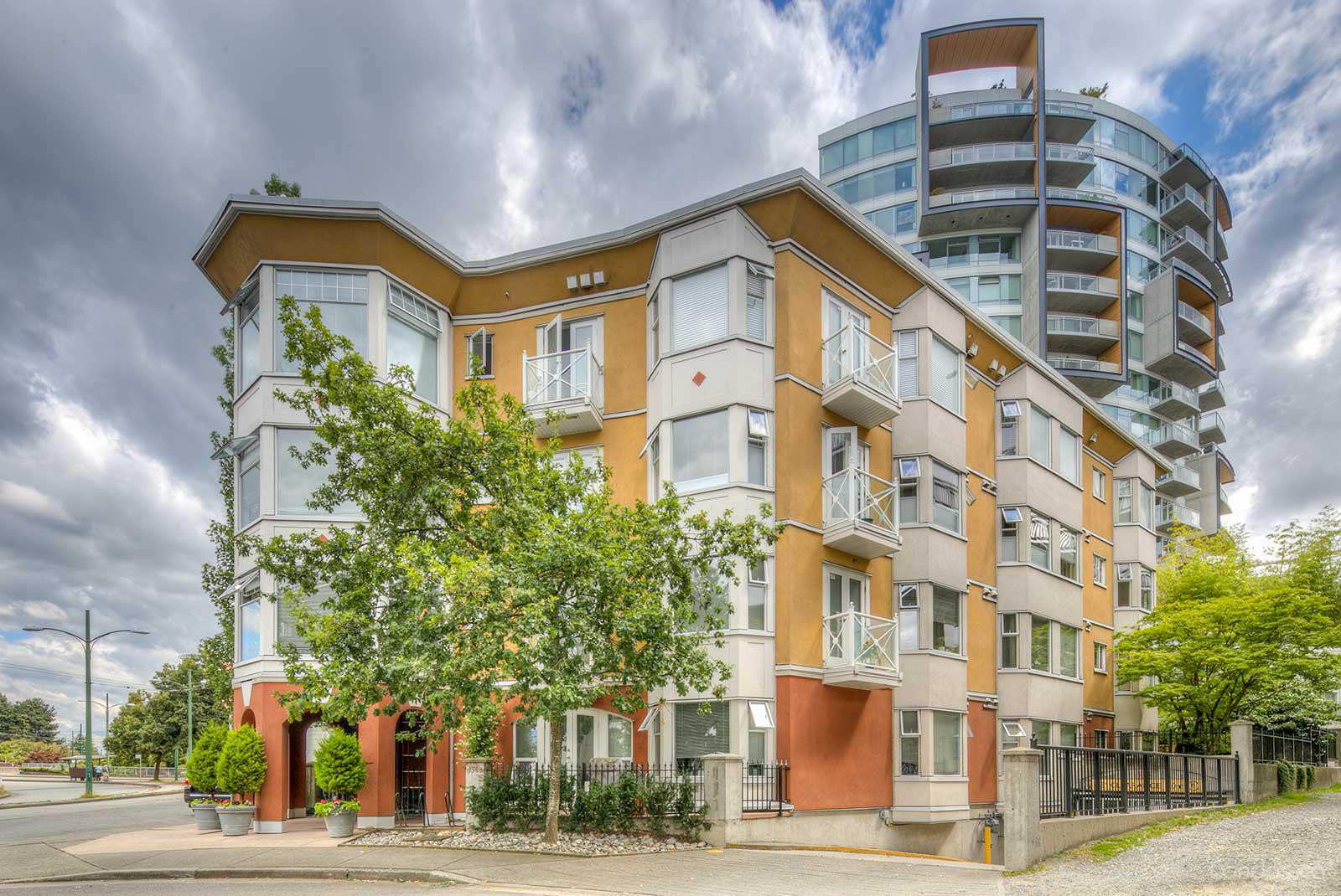 Gryphon Court at 1562 W 5th Ave, Vancouver 0