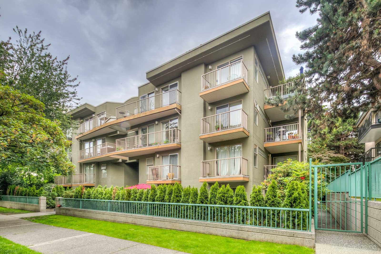 Monterey at 1820 W 3rd Ave, Vancouver 1