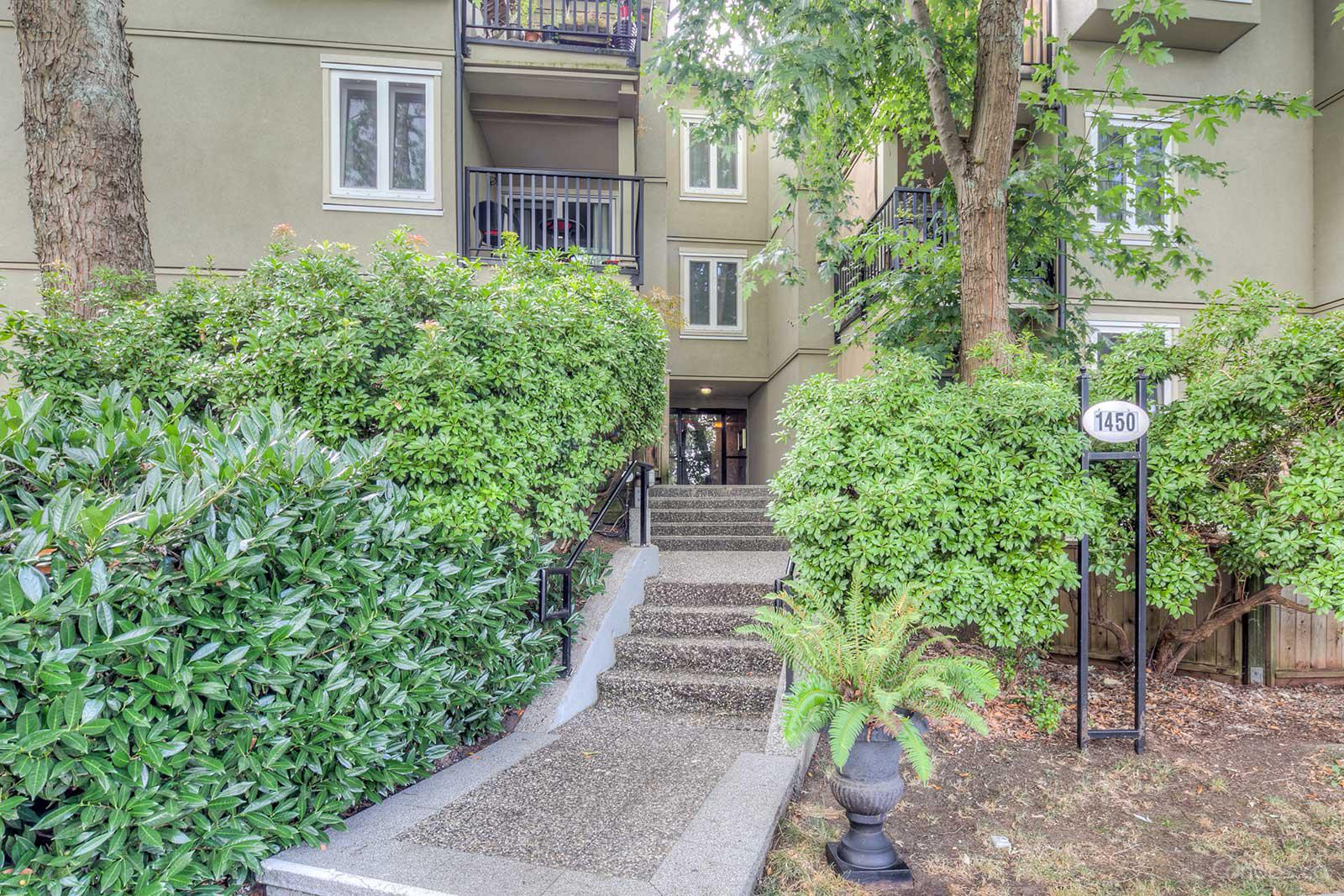 Ridgeway Place at 1450 E 7th Ave, Vancouver 1