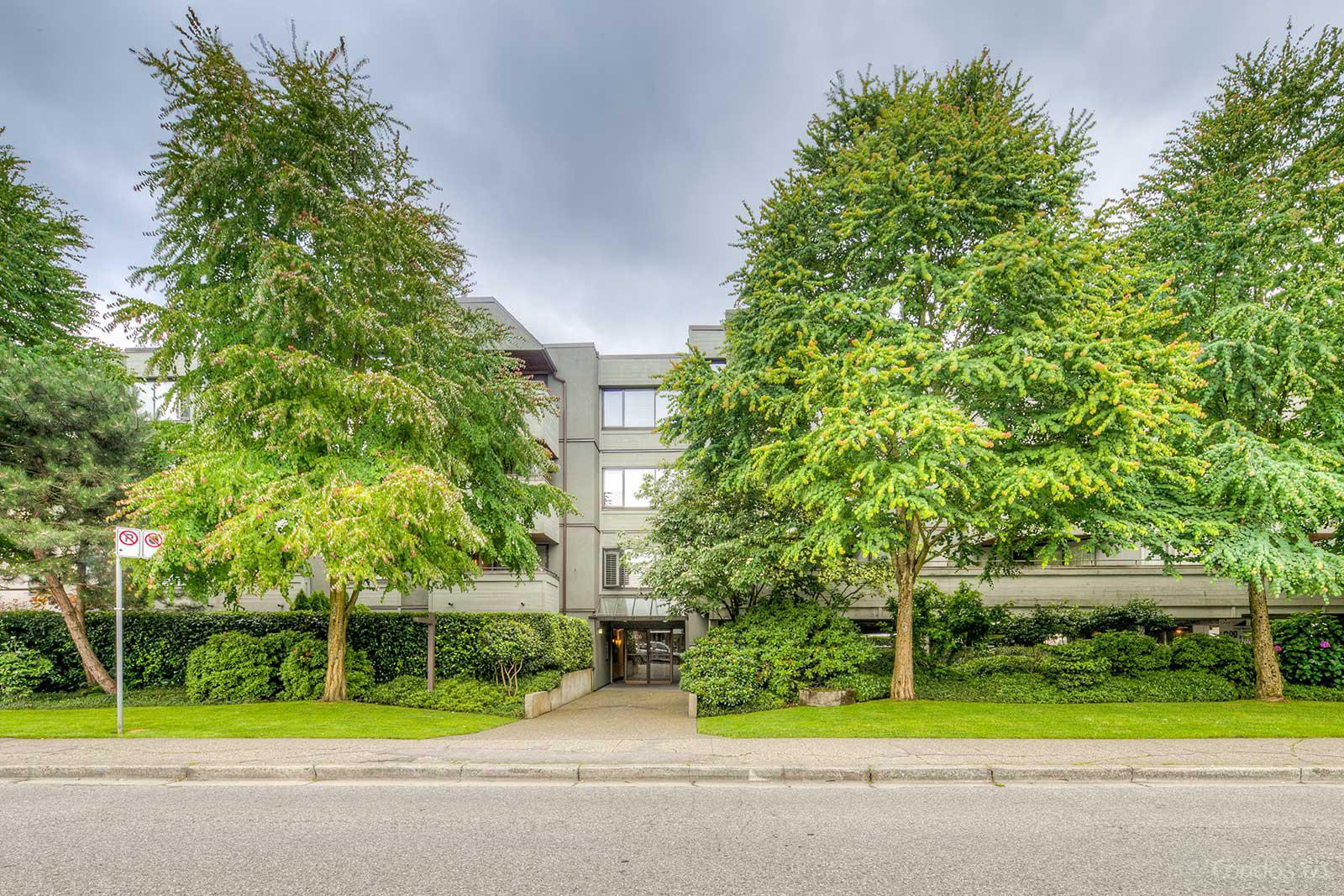 South Granville Place at 1476 W 10th Ave, Vancouver 0