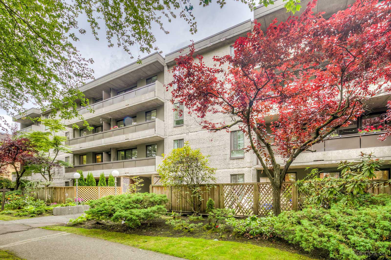 St. Claire Court at 1867 W 3rd Ave, Vancouver 1