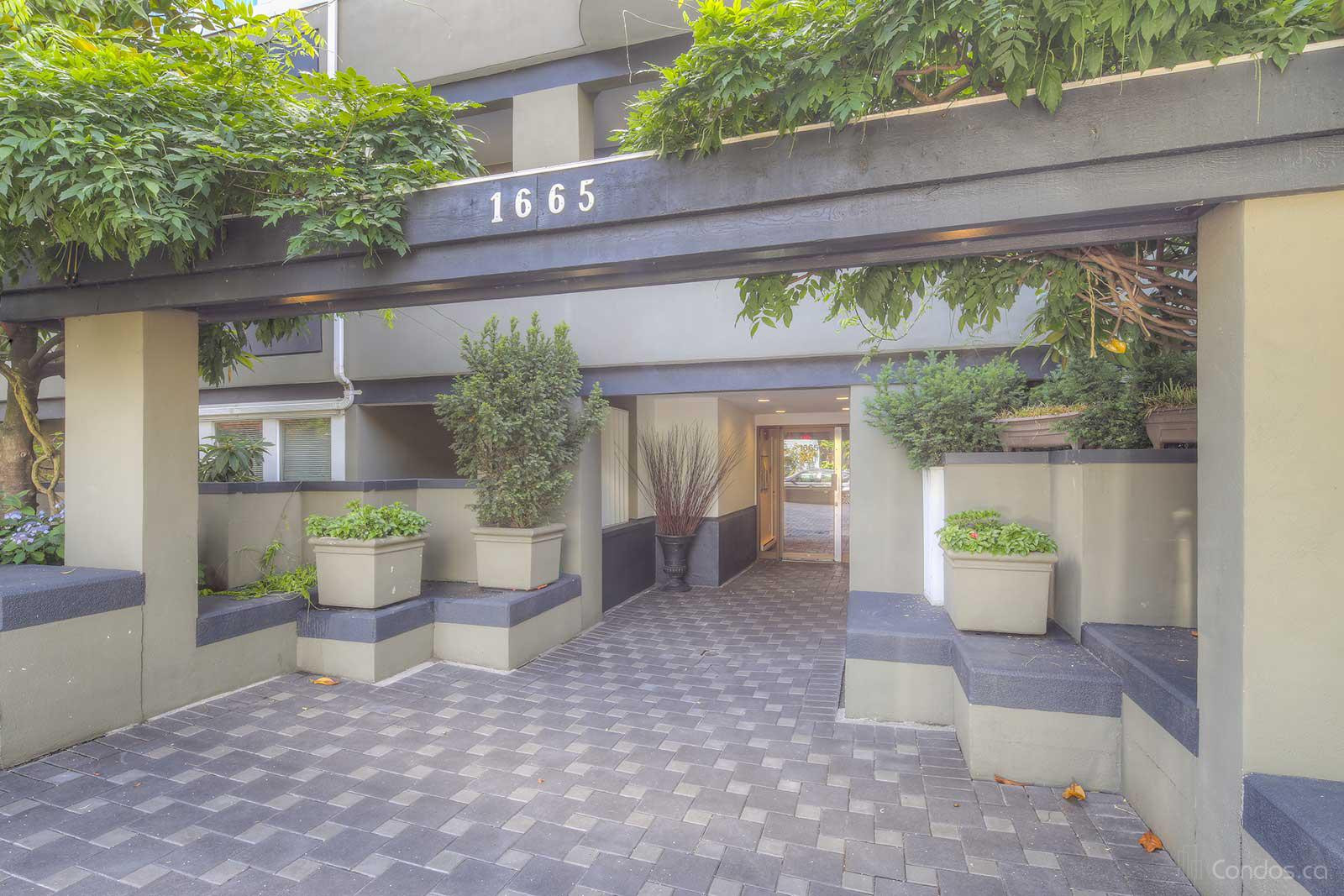 The Beaches at 1665 Arbutus St, Vancouver 0