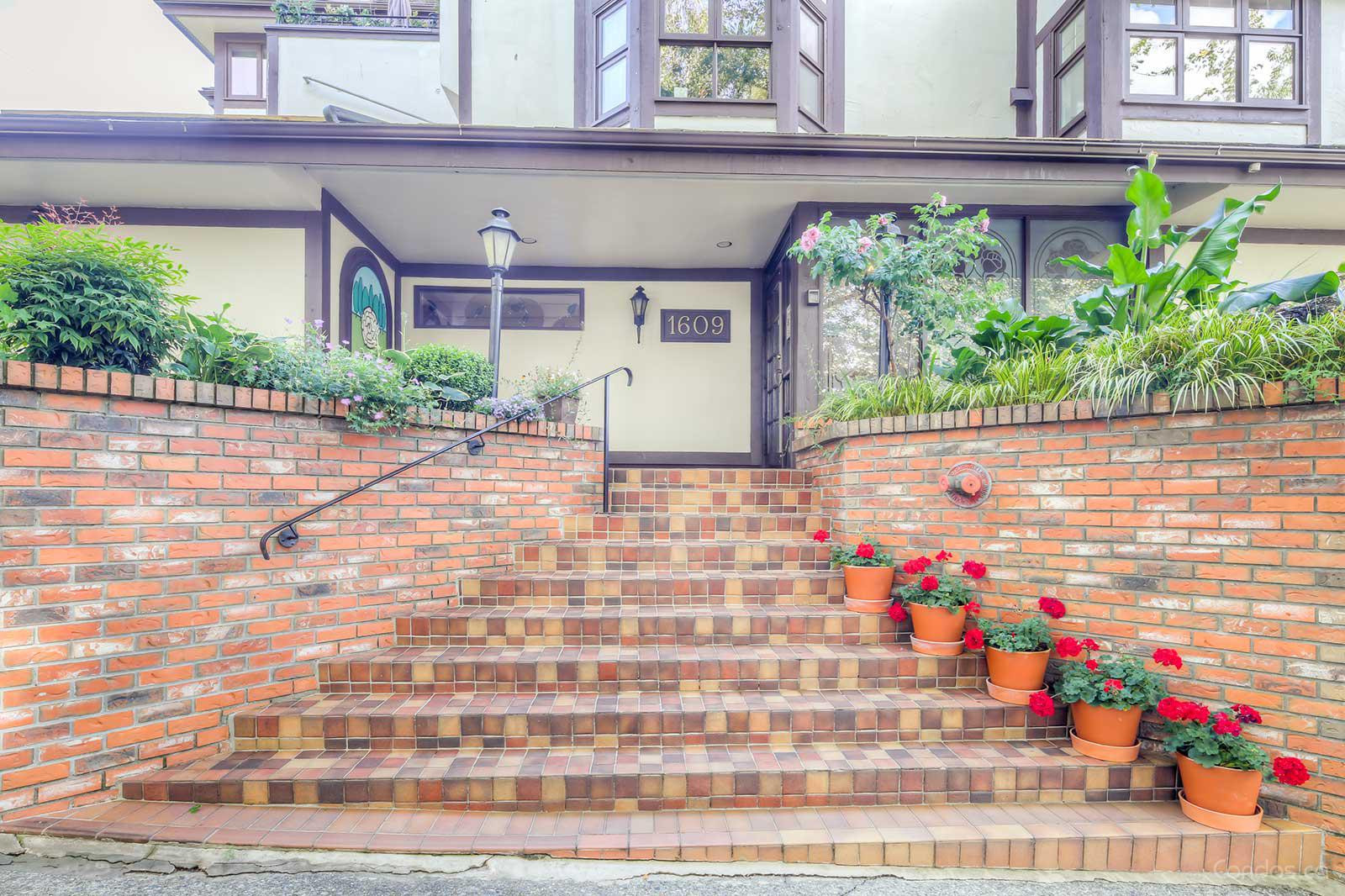 The Old York Townhomes at 1609 Balsam St, Vancouver 0