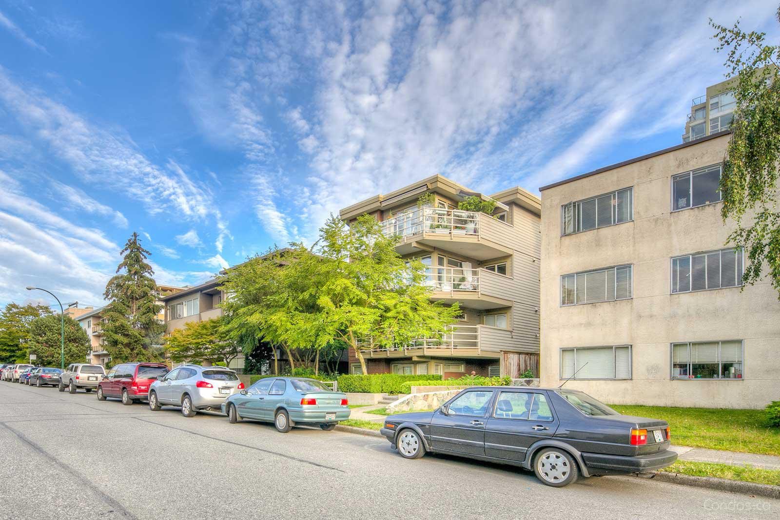 Torrey Pines at 1586 W 11th Ave, Vancouver 0