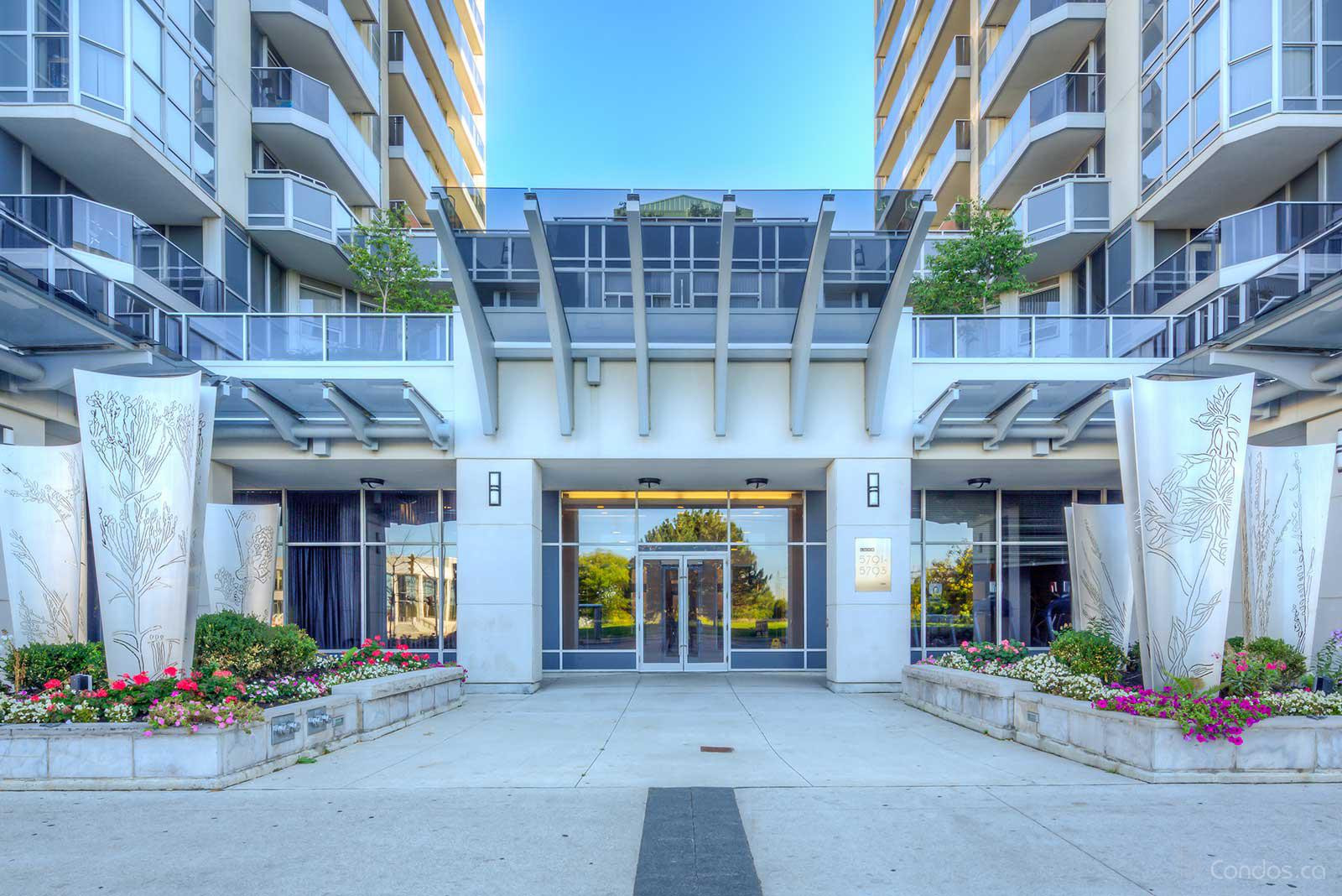 Luxe at 5791 Yonge St, Toronto 1