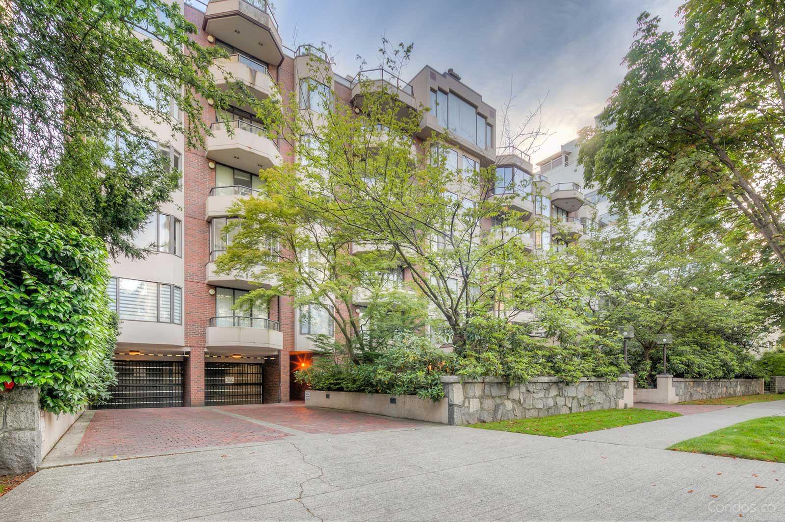 The Chatsworth at 1950 Robson St, Vancouver 1
