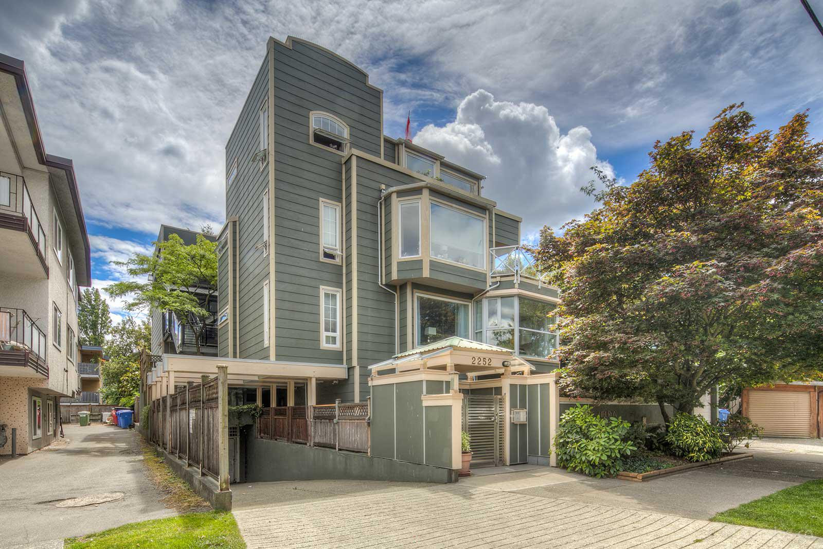 The Tiburon at 2252 W 5th Ave, Vancouver 0