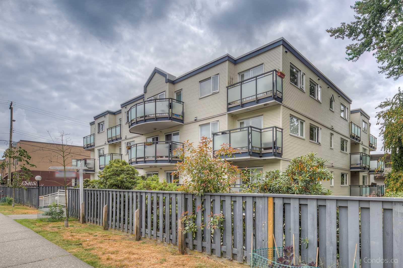 33 North at 33 N Templeton Dr, Vancouver 0