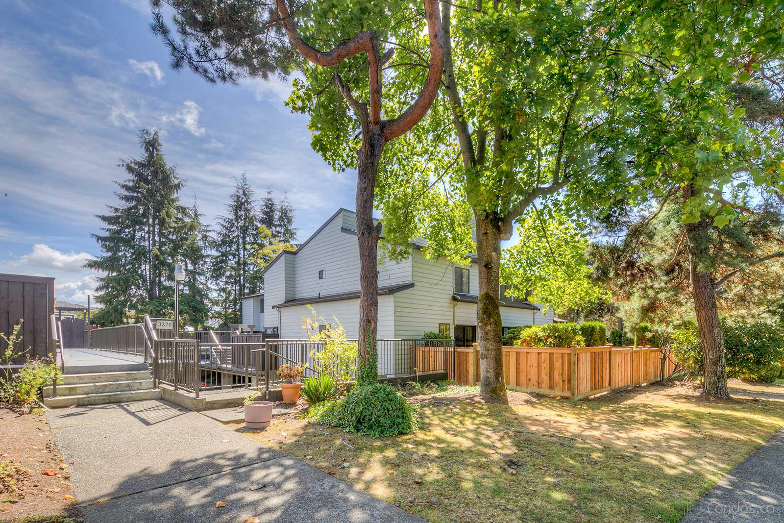 Aspenwood at 3350 Rosemont Dr, Vancouver 0