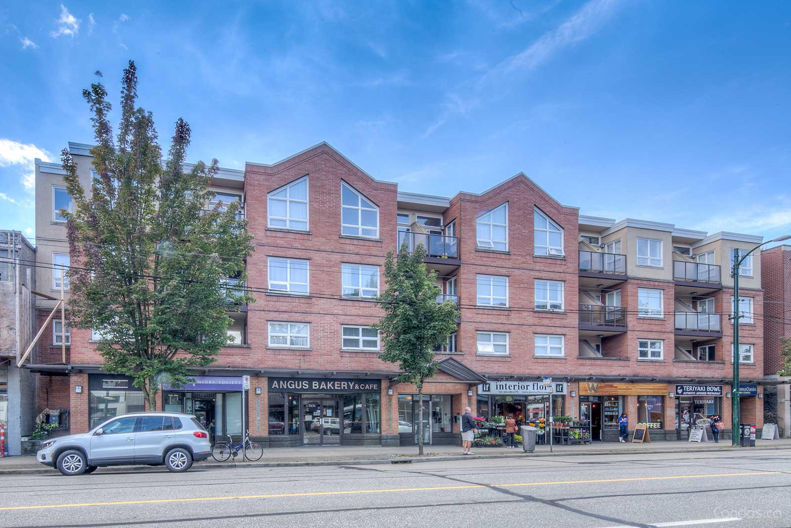 Coral Court at 3638 W Broadway, Vancouver 0