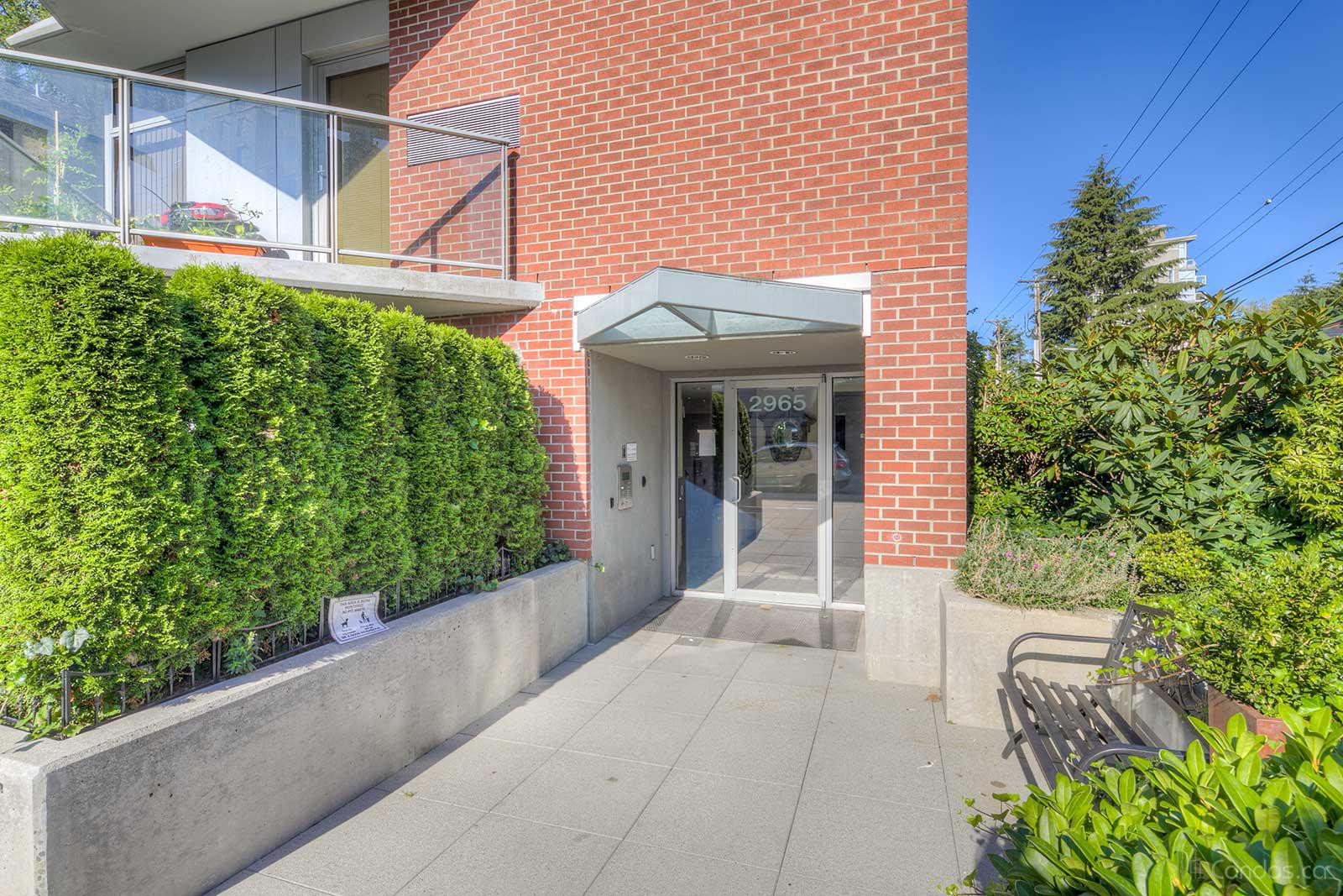 Crystal Court at 2965 Fir St, Vancouver 1