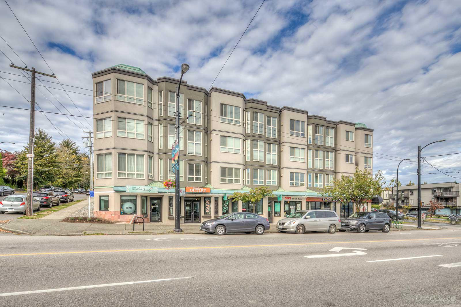 Pacific Terrace at 3615 W 17th Ave, Vancouver 0