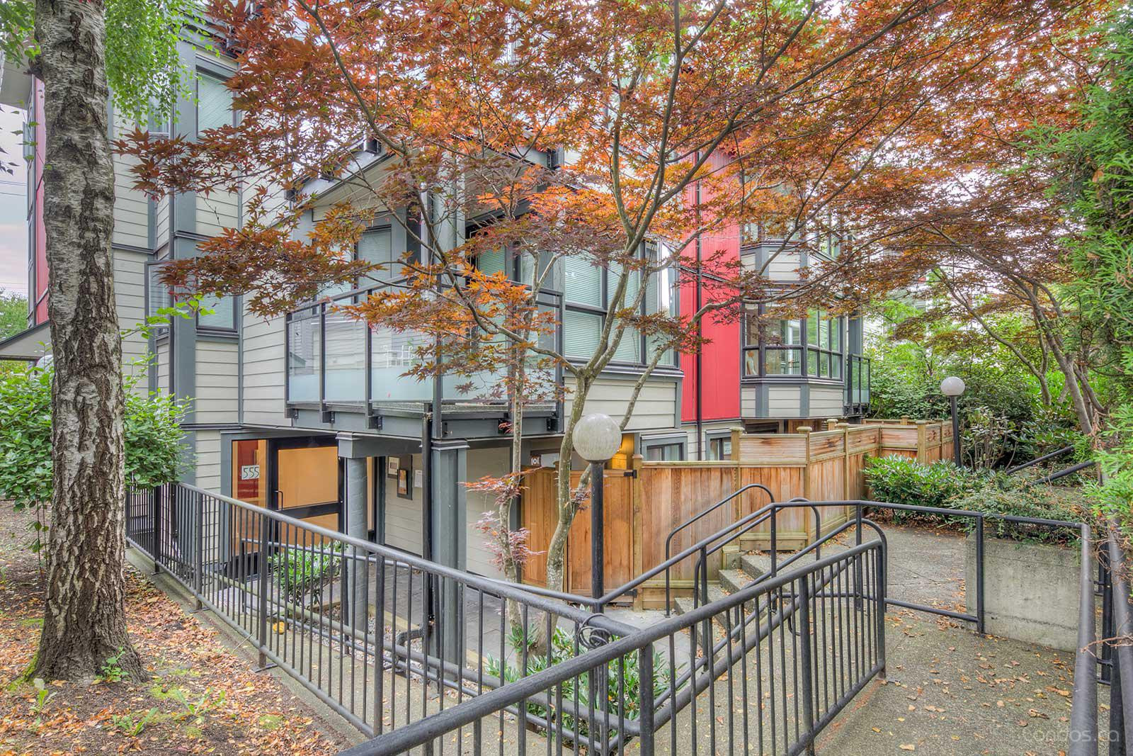 555 East 8th at 555 E 8th Ave, Vancouver 0