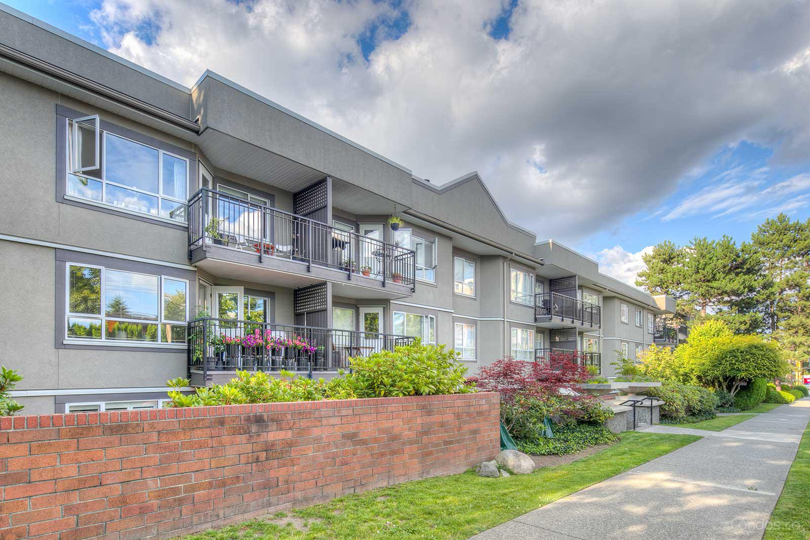 Cambridge Place at 555 W 14th Ave, Vancouver 0