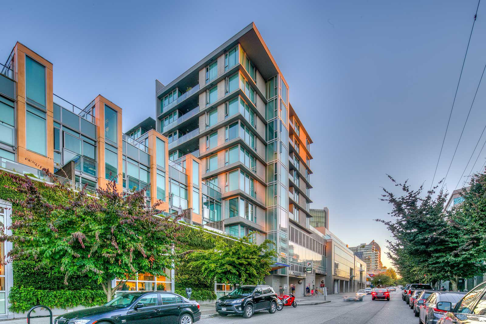 Crossroads at 522 W 8th Ave, Vancouver 1