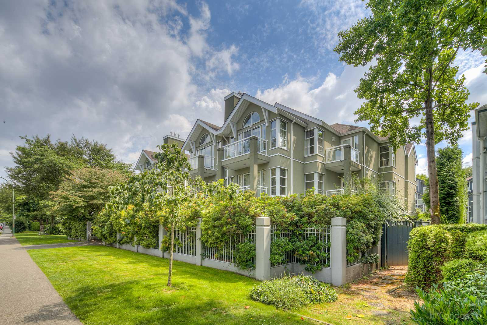 Bedford Place at 838 W 14th Ave, Vancouver 0