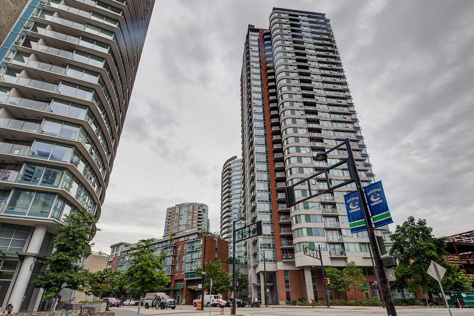 Firenze Tower II at 688 Abbott St, Vancouver 1