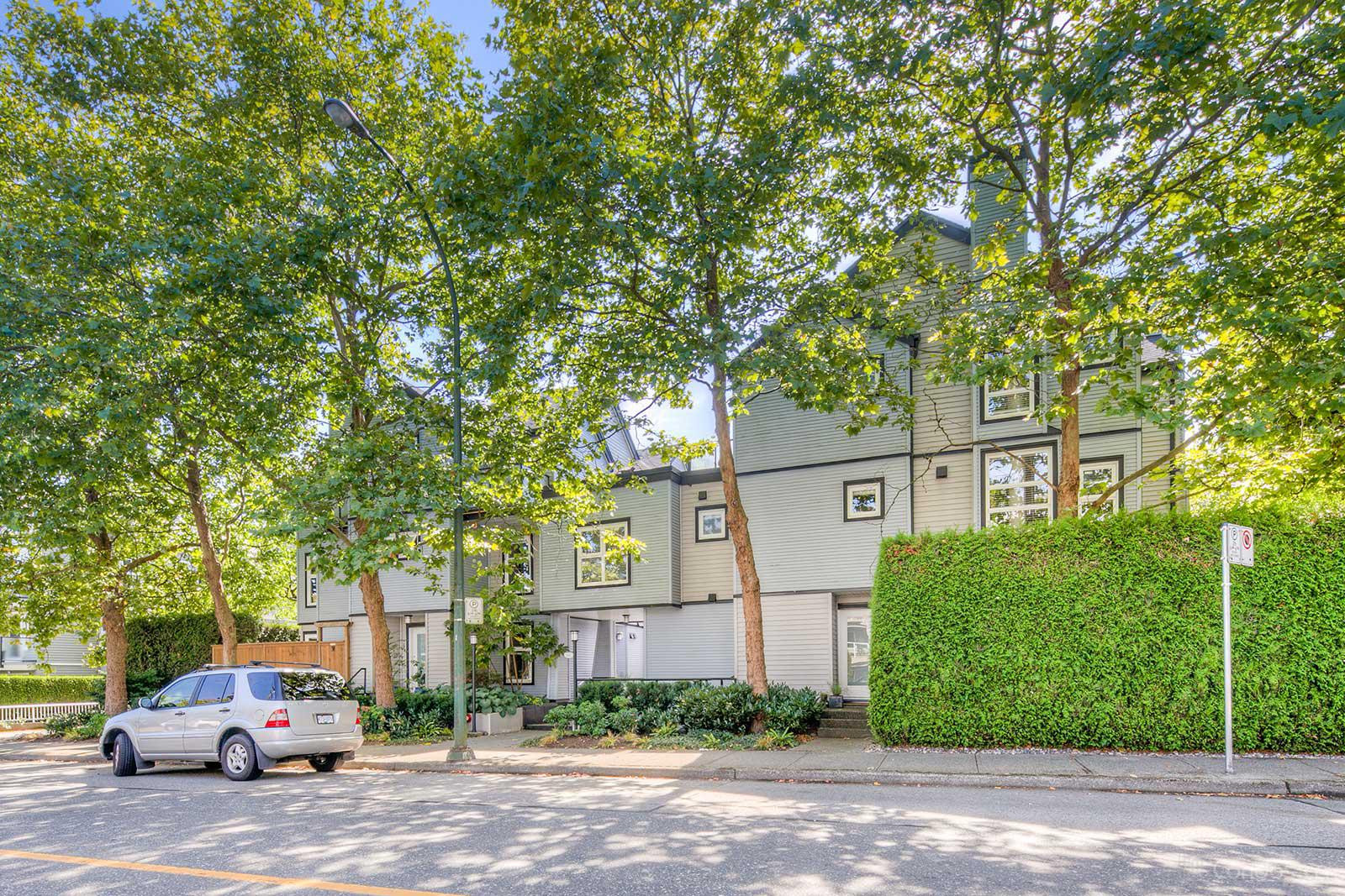 Laurel Mews at 888 W 16th Ave, Vancouver 0