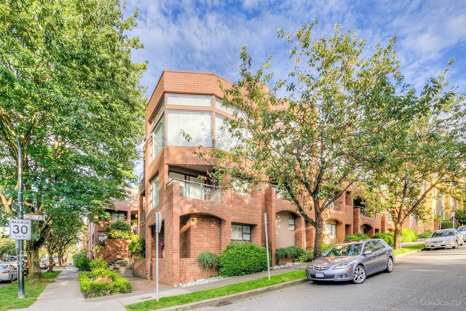 Willow Court at 766 W 7th Ave, Vancouver 1
