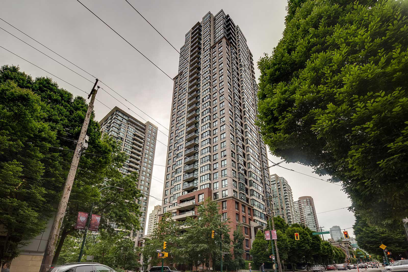 Yaletown Park 2 at 909 Mainland St, Vancouver 1