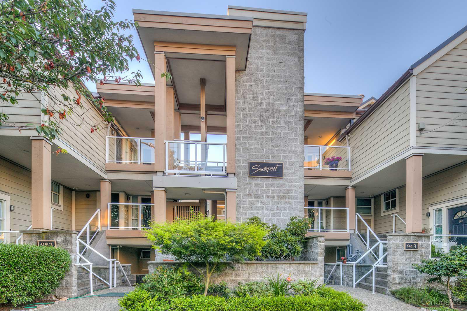Southport at 933 W 8th Ave, Vancouver 1