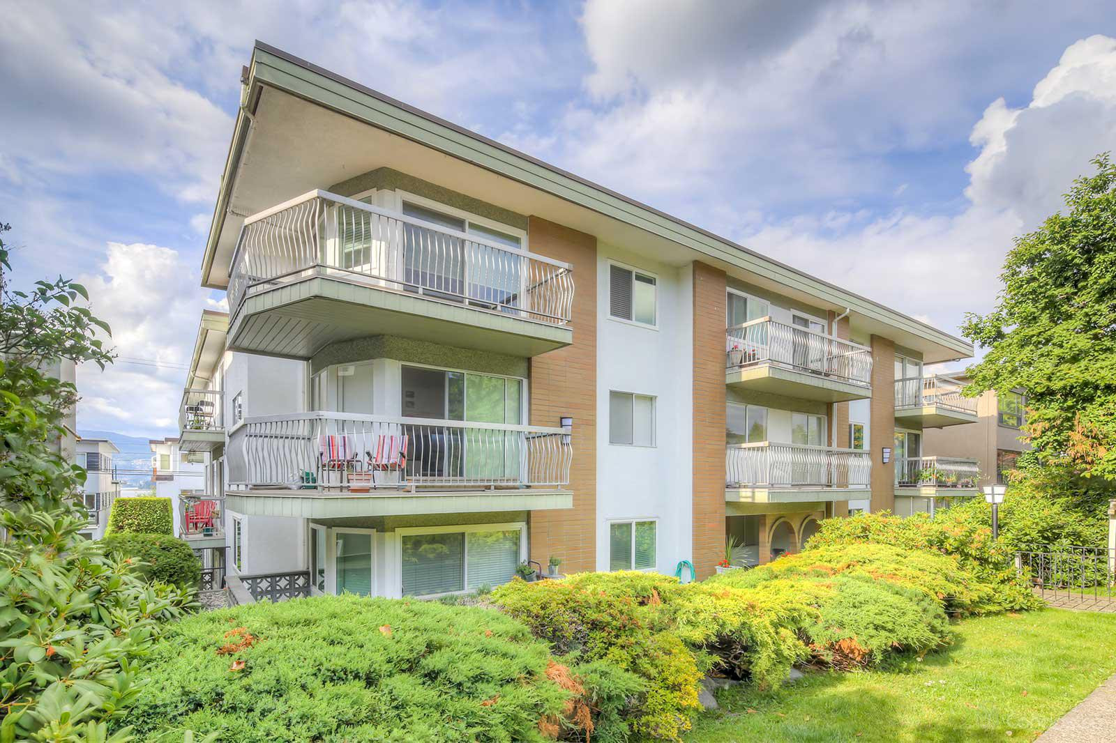 Yorkdale Villa at 2335 York Ave, Vancouver 1