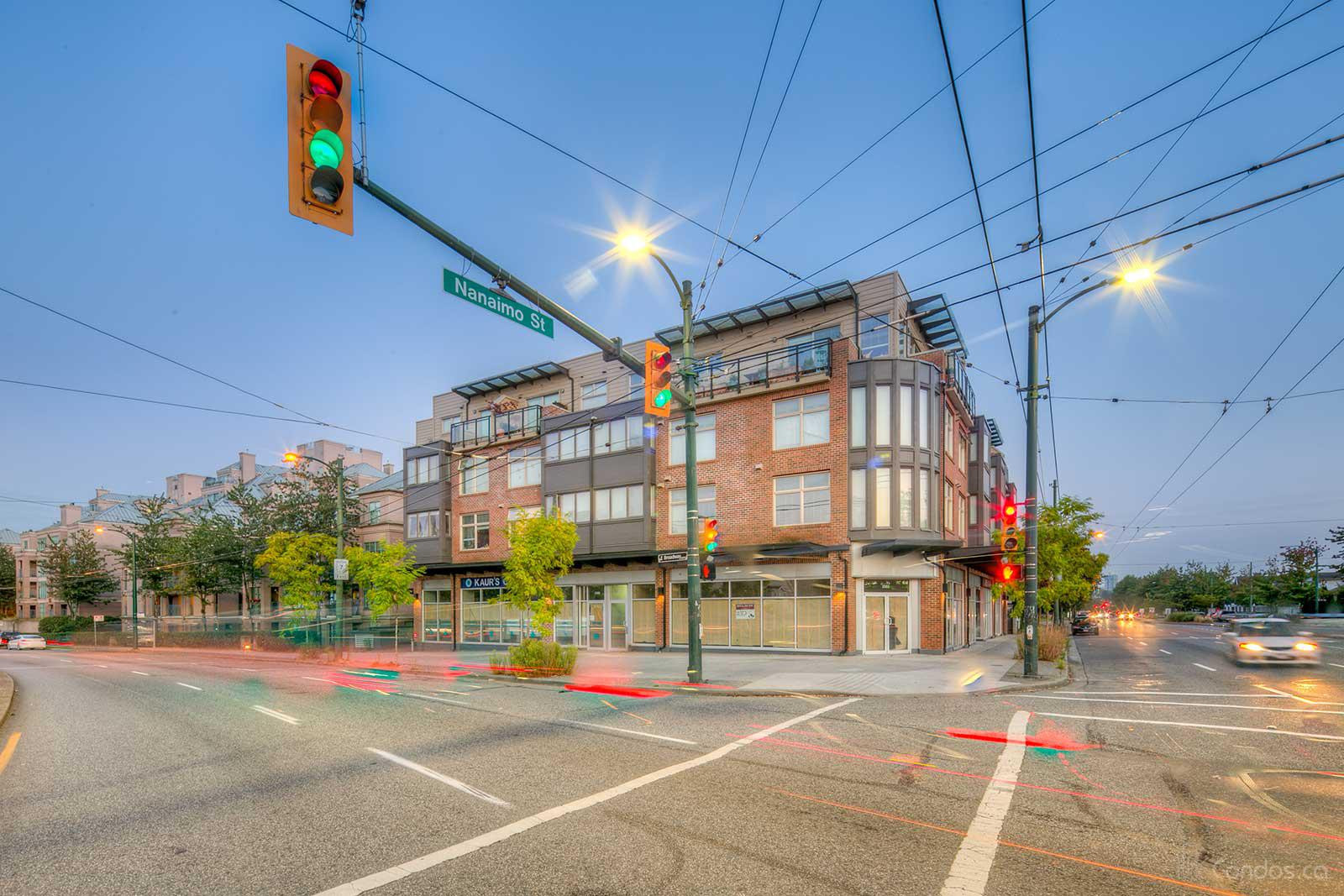 Broadway Crossing at 2408 E Broadway, Vancouver 0
