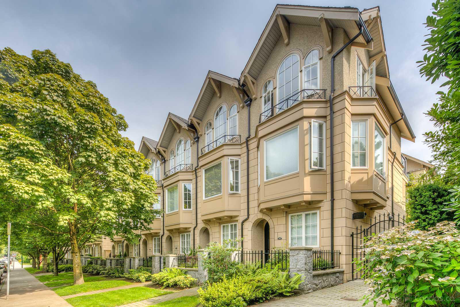 Brownstone at 930 W 13th Ave, Vancouver 0