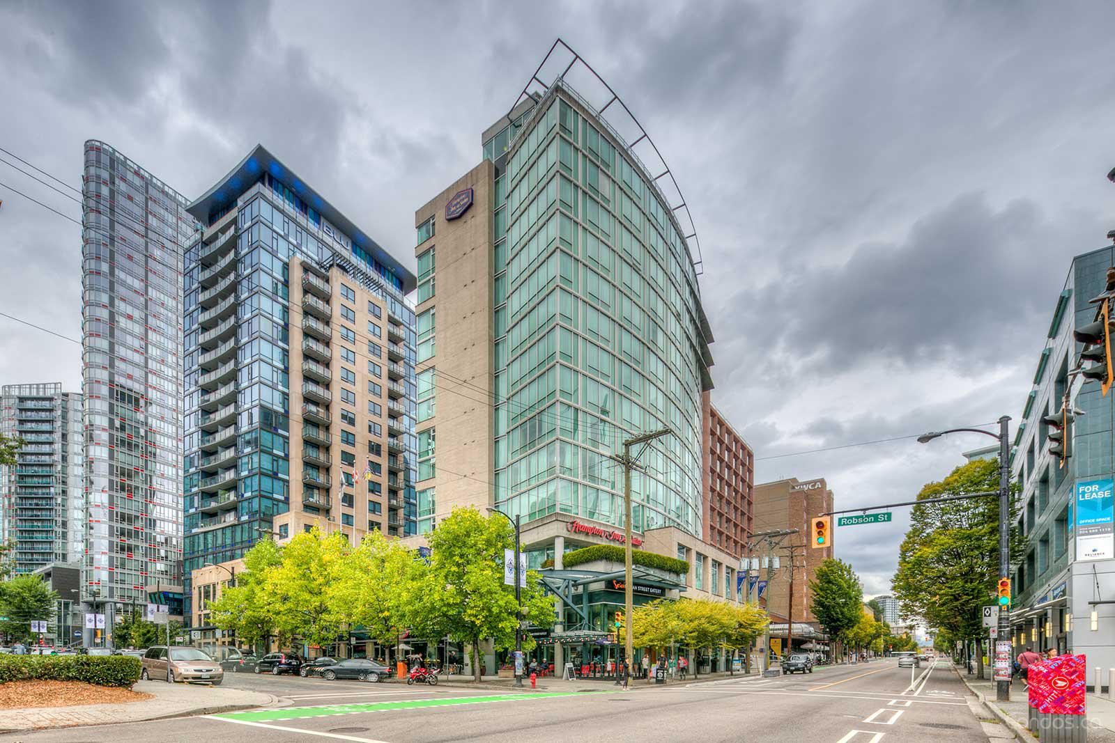 Hampton Inn & Suites at 111 Robson St, Vancouver 0