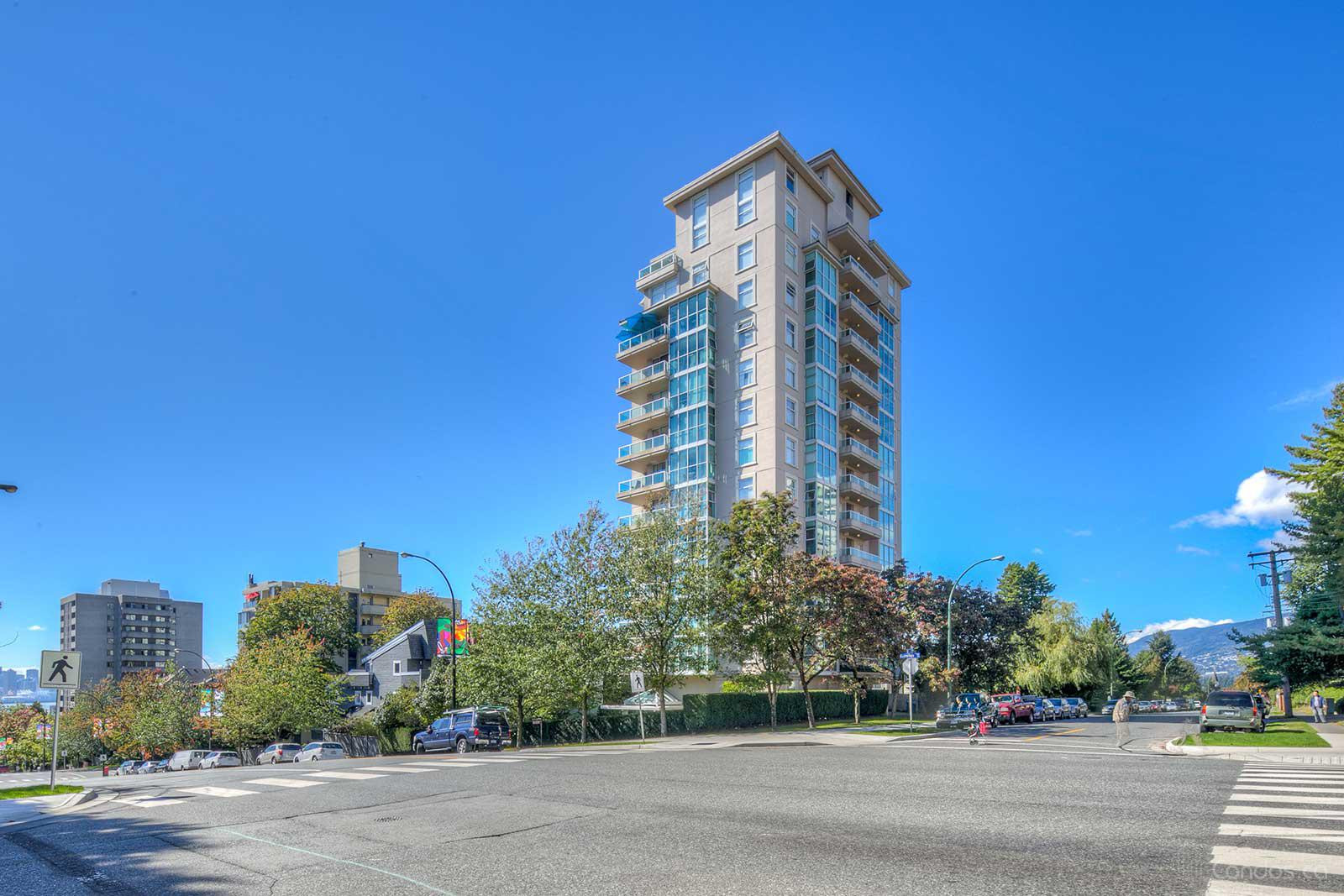 The Camellia at 567 Lonsdale Ave, North Vancouver City 0