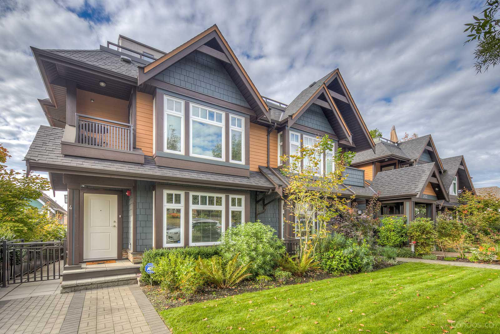 St. Andrew's Place At 5th at 263 5th St E, North Vancouver City 0