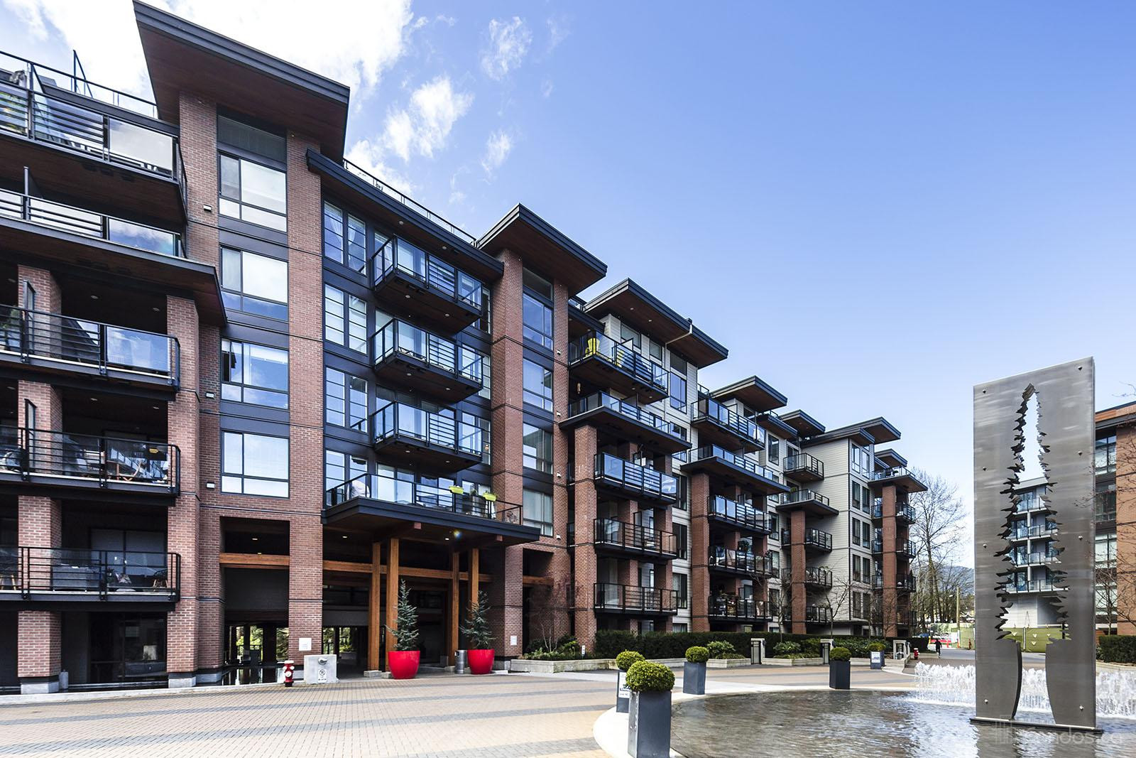 The Shore at 733 3rd St W, North Vancouver City 1