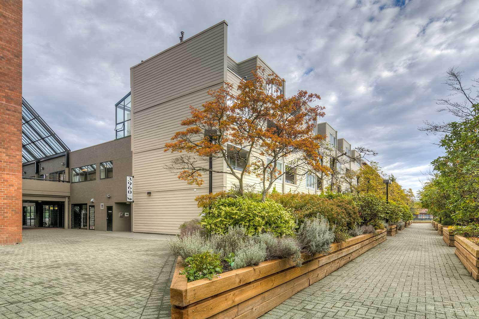 Ingleton Place at 3920 Hastings St, Burnaby 1